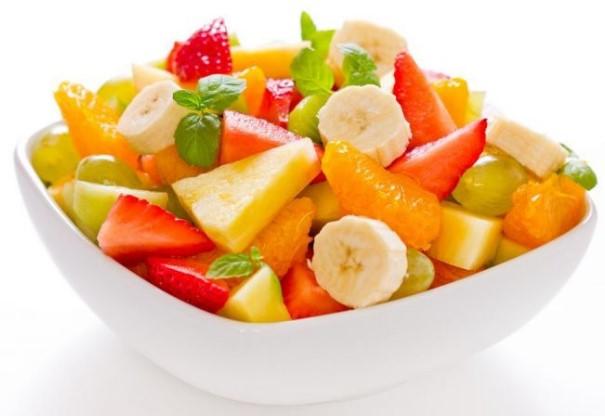 salad buah untuk mengatasi perut kembung