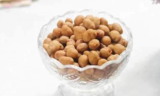 kacang telur