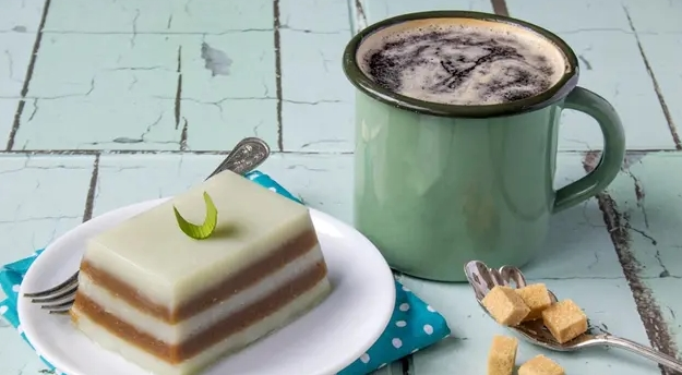 Kue Lapis Gula Merah